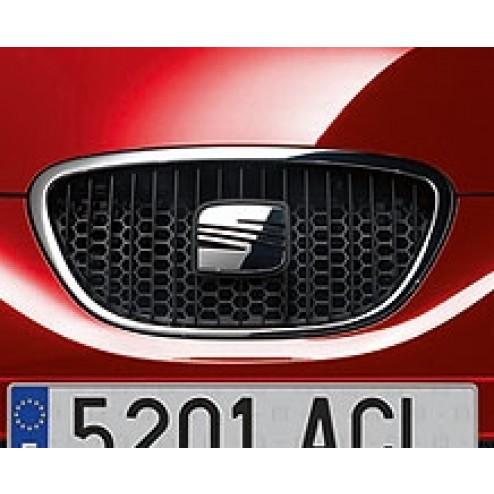 Накладка решетки радиатора Seat Leon 1P1 (соты)