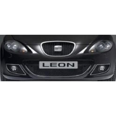 Накладки решеток бампера Seat Leon